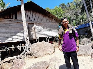 Balai Ulin Limpak Desa Kindingan Kecamatan Hantakan Kabupaten Hulu Sungai