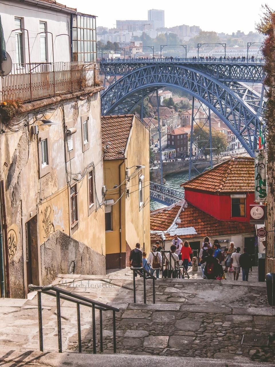 15 uliczki3-2  co zobaczyć w Porto w portugalii ciekawe miejsca musisz zobaczyć top miejsc w porto zabytki piękne uliczki miejsca godne zobaczenia blog podróżniczy portugalia melodylaniella