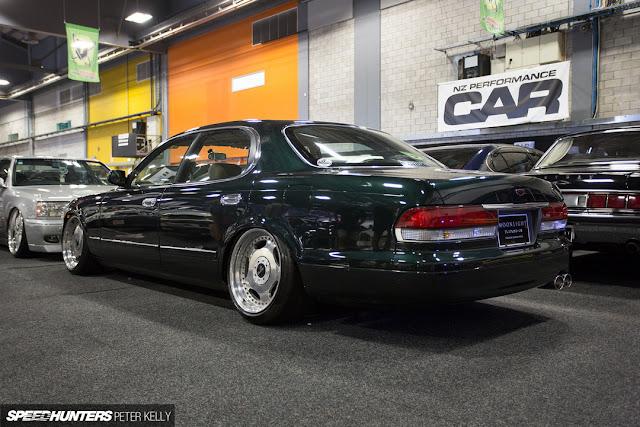 Mazda 929, Sentia, luksusowe sedany