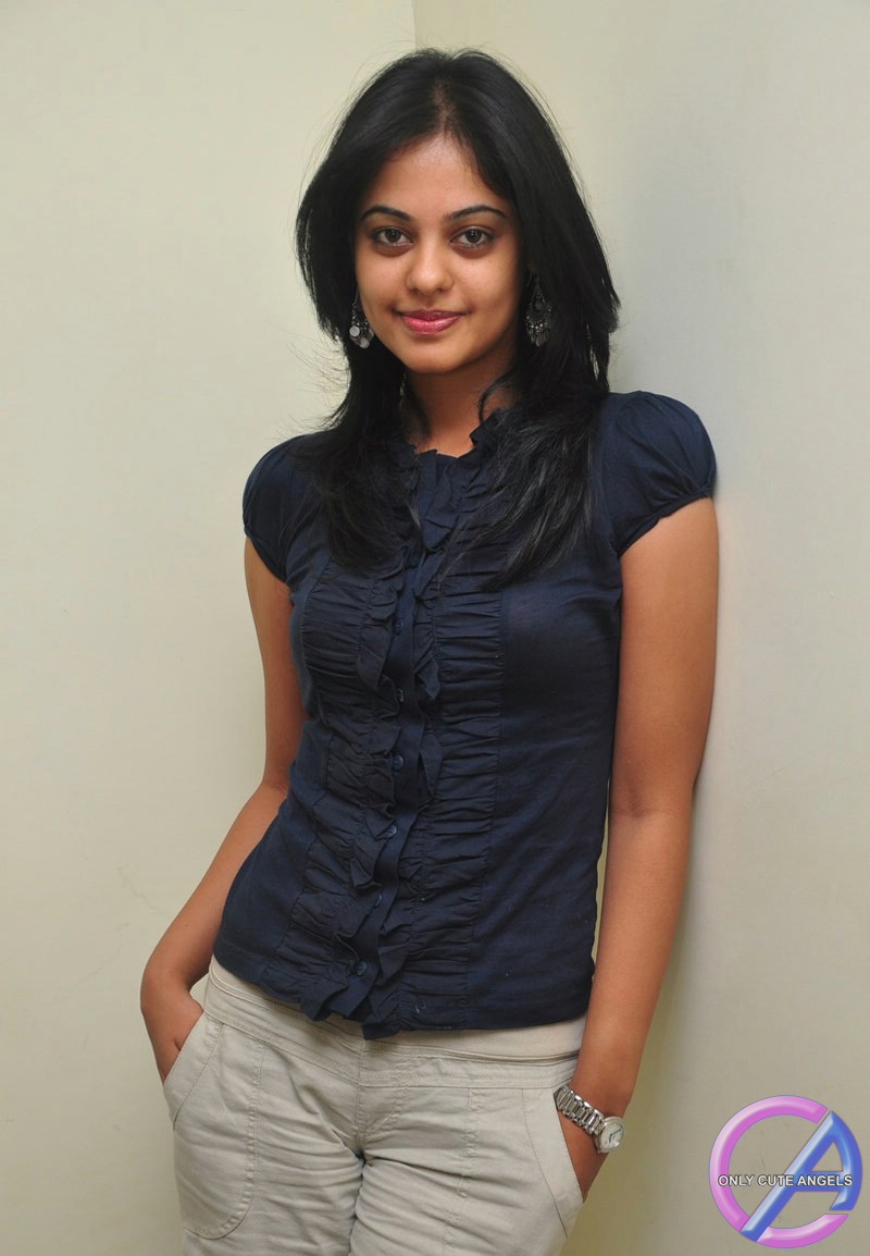 Cute Actress Bindu Madhavi