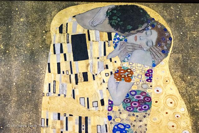Gustav Klimt: El Beso - Belvedere Museum, Viena por El Guisante Verde Project