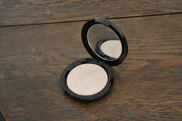 Review: Makeup Forever Pro Light Fusion #01 Golden Pink