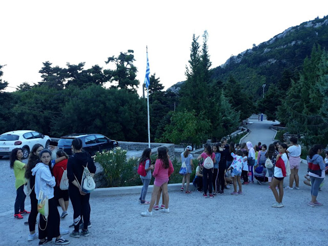 80 κορίτσια Δημοτικού από την Μητρόπολη Αργολίδας φιλοξενούνται σε κατασκήνωση στον Παρνασσό