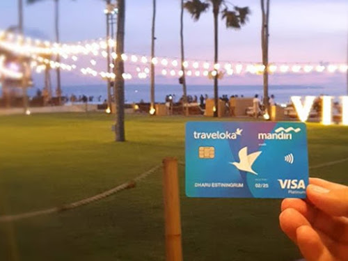 Traveloka Mandiri Card
