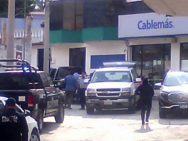 Balean a familia de Hidalgo, un muerto y dos heridos.