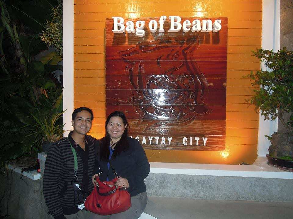 Couple travel blogger at Bag of Beans Tagaytay