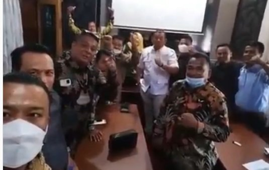 Anggota DPRD Ancam Mogok Kerja Uang Dinas Belum Cair