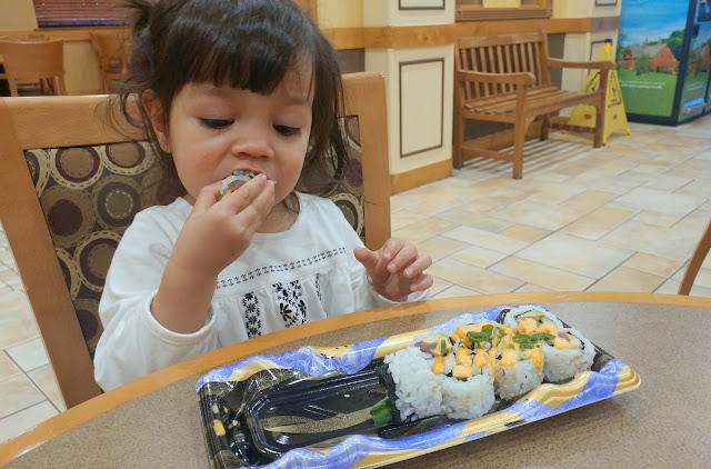 Toddler-Eating-Sushi-tasteasyougo.com