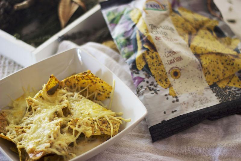 Nachos co bechamel de leche evaporada de avena y queso