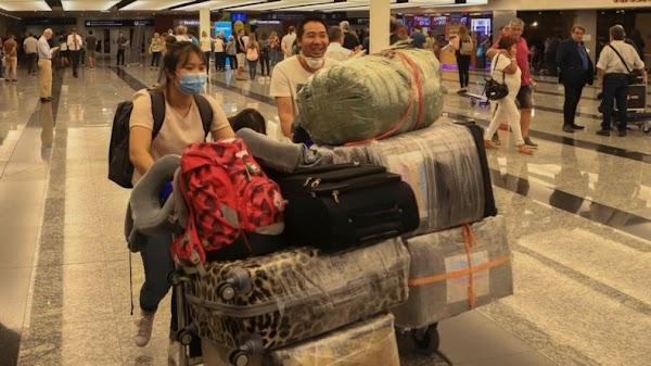"""Suspensión de vuelos: cuáles son las """"zonas afectadas"""" y cómo será la vuelta de los argentinos al exterior"""