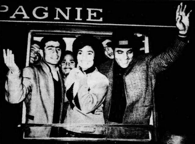Μίμης Παπαϊωάννου, Μαρινέλλα και Στέλιος Καζαντζίδης στον σταθμό Λαρίσης
