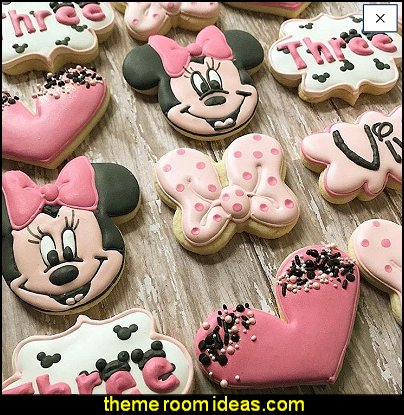 Minnie Mouse cookies - minnie mouse cookies disney cookies - birthday party idea