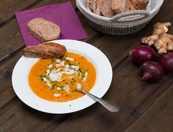 Einfache Kürbis-Suppe mit Orange Rezept