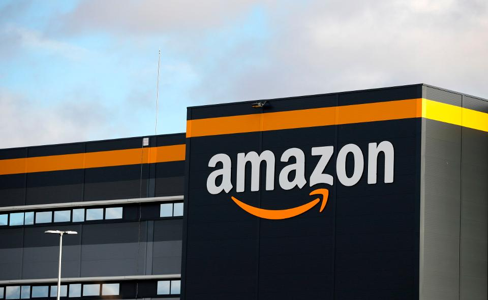 Why thanalysis recommends to buy products from Amazon over Flipkart?