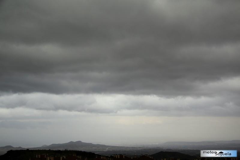 Cielos muy nubosos en Sojuela. meteosojuela. josecalvo