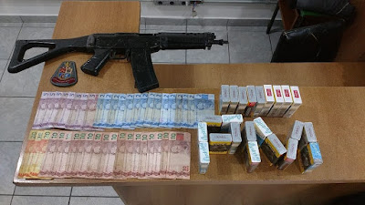 Polícia Militar apreende simulacro de carabina e recupera produtos roubados em Registro-SP