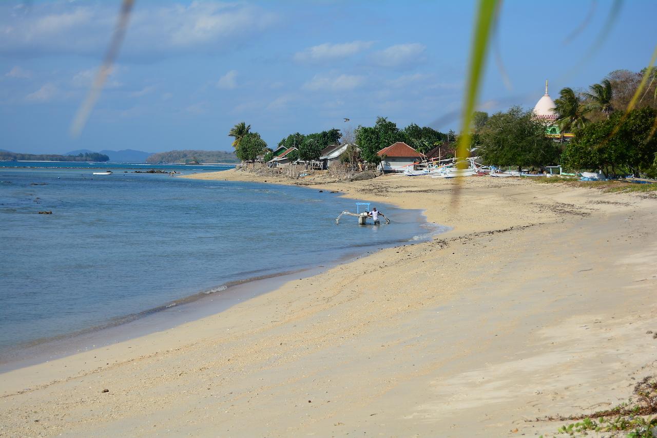 Pantai Elak