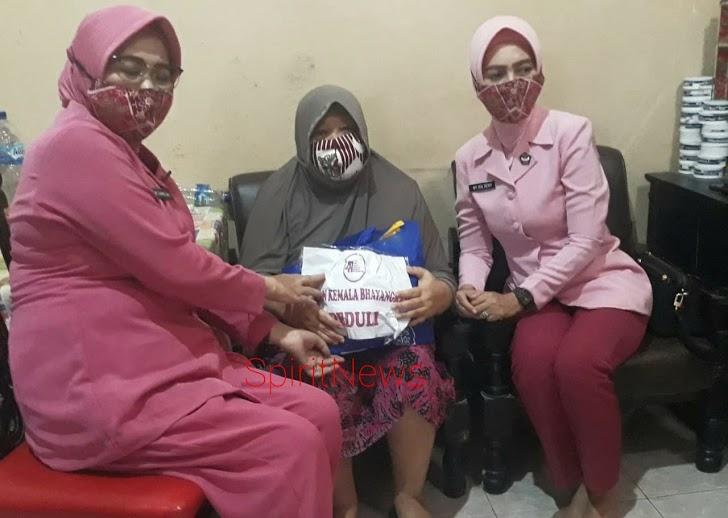 Pererat Tali Silaturahmi, Ketua Bhayangkari Cabang Takalar Kunjungi Warakawuri