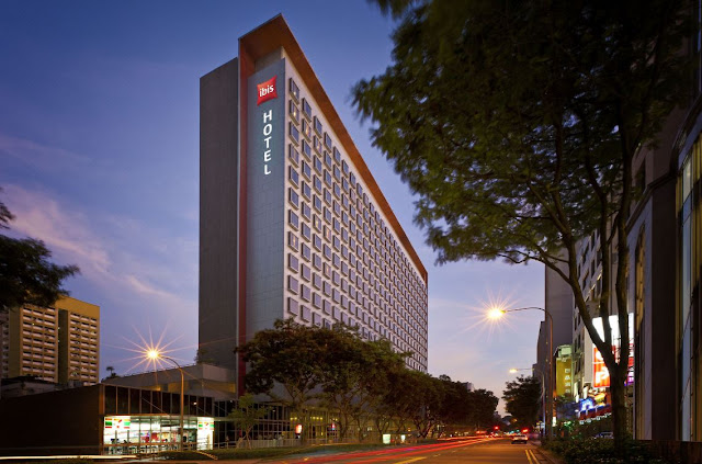 The multi award-winning ibis Singapore on Bencoolen is located in the heart of Singapore's shopping district of Bugis and business area. The 538-room property is a perfect choice of hotel for shoppers, business and leisure travellers.