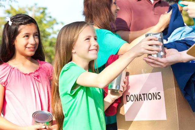 Cara Sederhana, Agar Anak Suka Menolong Orang Lain
