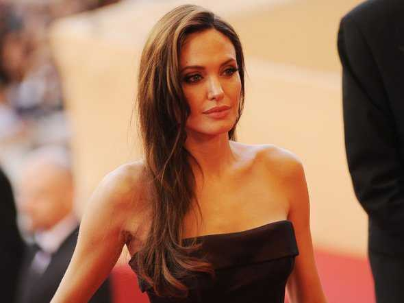 Piffy Angelina Jolies Double Mastectomy Story-2518