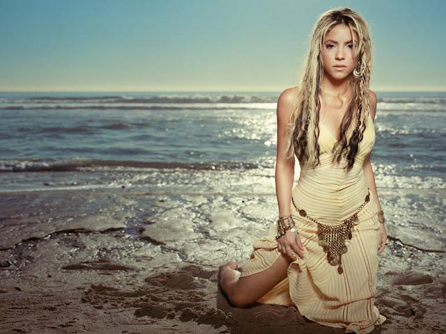 Shakira Totally Naked