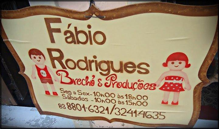 76ee648e437 Quer conhecer um lugar bacana aqui em João Pessoa  Visita o Brechó do Fábio  rodrigues! Roupas lindas e alegres! Vale a pena conferir!
