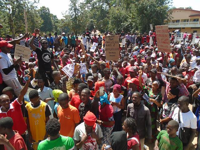 Guinée, Kindia manifestation du FNDC : « nous disons merde à ce pouvoir sanguinaire ».