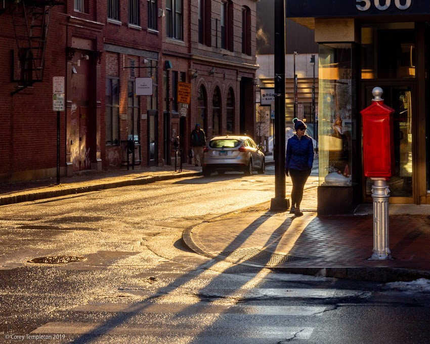 Portland, Maine USA December 2019 photo by Corey Templeton. Morning light at Congress and Brown Streets.