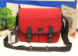 Jual Camera Bag Ideer Rainia Burgundy Bekas
