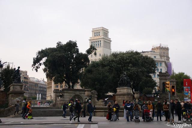 Placa Catalunya è uno dei nodi più importanti di Barcellona