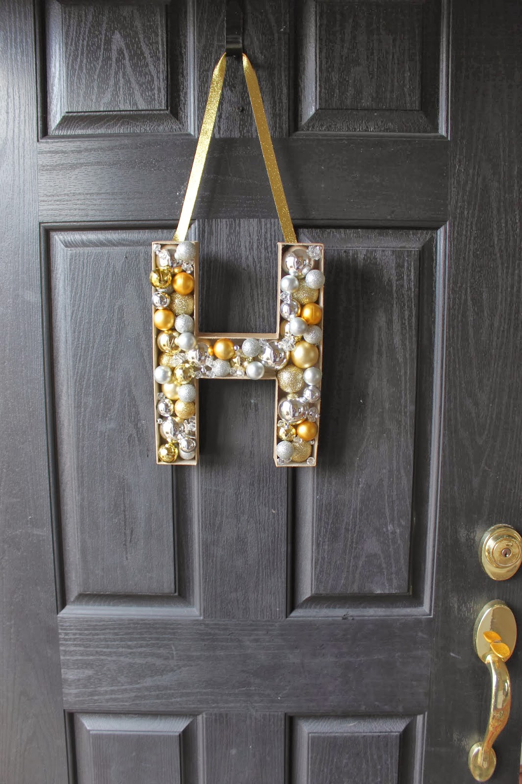 DIY MONOGRAM DOOR DECORATION