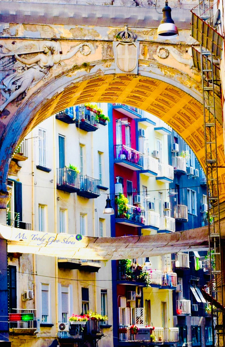 #2 of 20 pretty archways around the world; this one spotted in Naples, Italy.| Ms. Toody Goo Shoes
