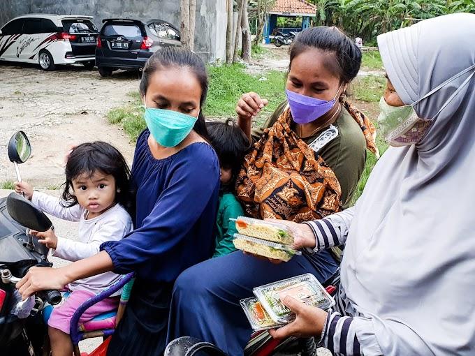 Zakat Sukses Bagikan 1100 Takjil Gratis ke 11 Kecamatan di Depok