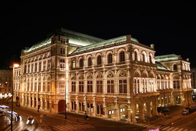 دار الأوبرا في فيينا  Vienna State Opera