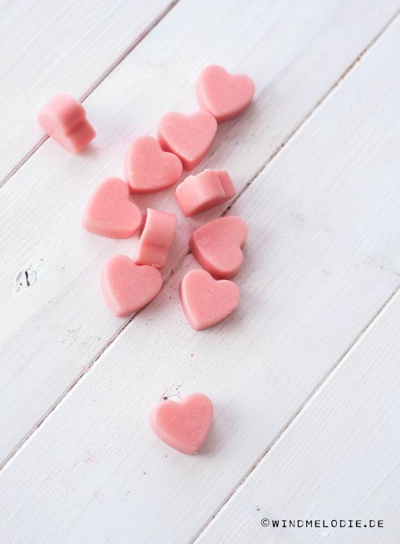 Valentinstag DIY rosa Herzen Peeling