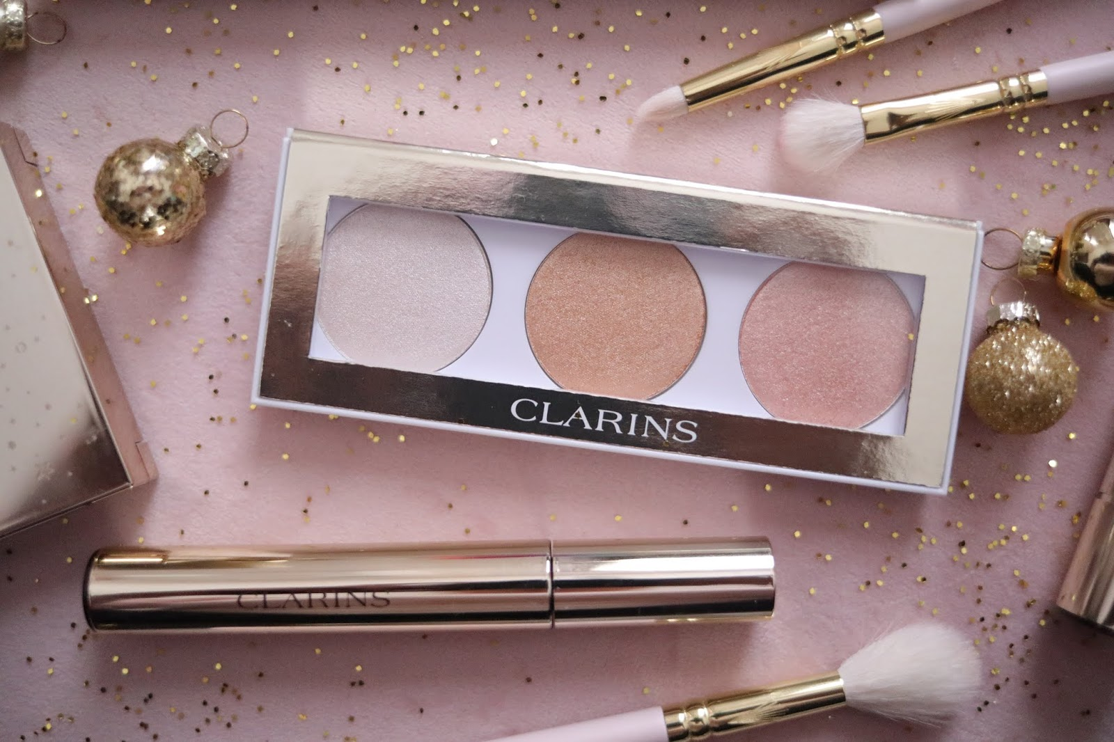 CHRISTMAS WITH CLARINS, CLARINS FRANCE  , CLARINS , EYE MAKE-UP PALETTE , Noël 2019 , revue beauté , rose mademoiselle , rosemademoiselle,blog beauté , paris