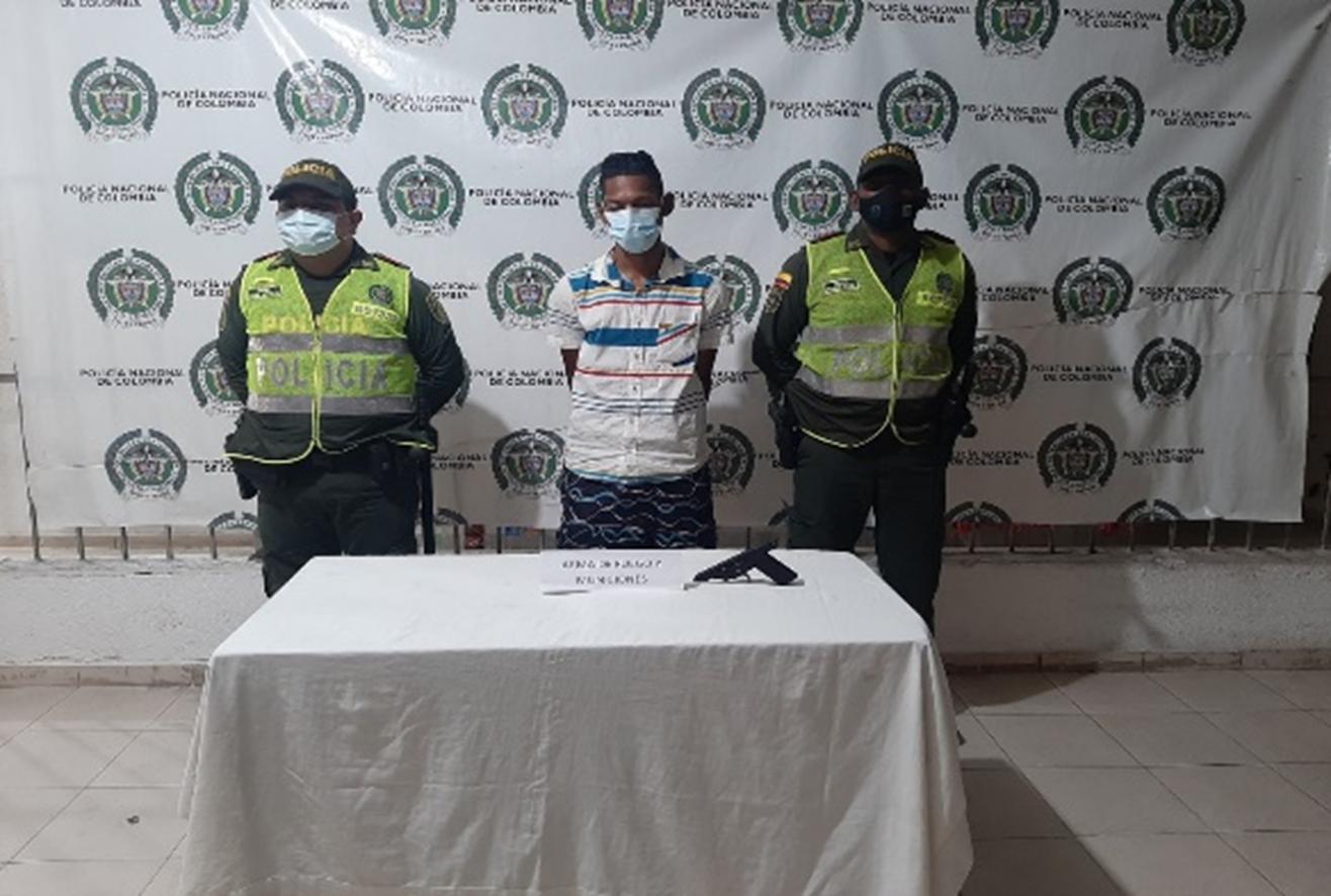 https://www.notasrosas.com/Policía Cesar decomisa arma de fuego y municiones en Valledupar, en Gamarra incauta vehículo y recupera semovientes