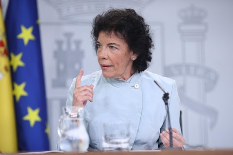 May lemondása után a spanyol kormány megegyezés nélküli kiválásra számít