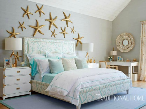 Above the bed wall decor ideas with a coastal beach theme for Over the bed decoration ideas