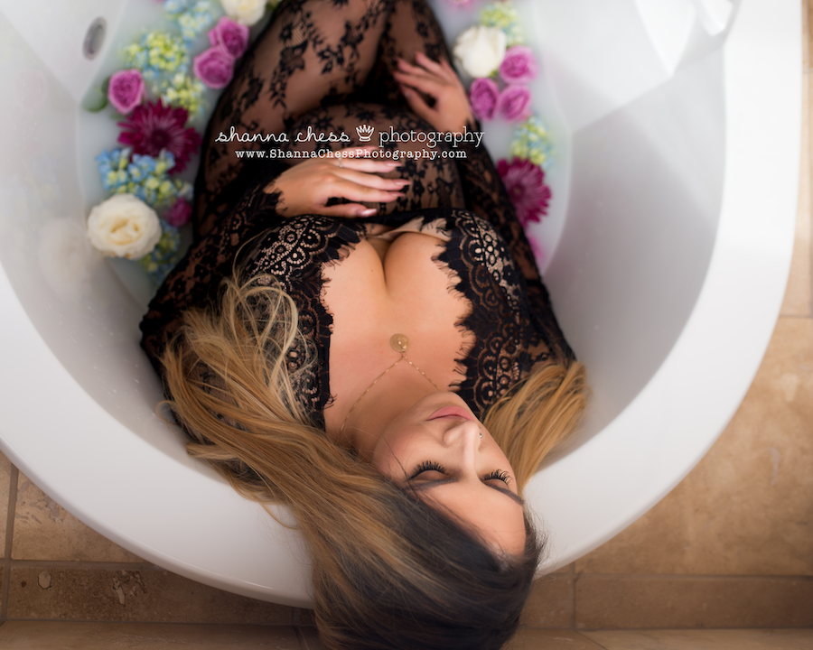 eugene oregon milk bath maternity photography