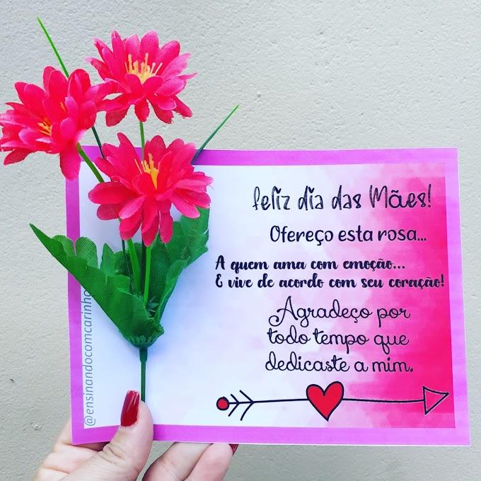 Cartão com rosa para o dia das mães