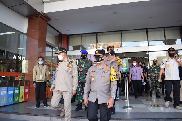 Kapolda Jambi Bersama WalikotabTinjau Mall Besar di Kota Jambi