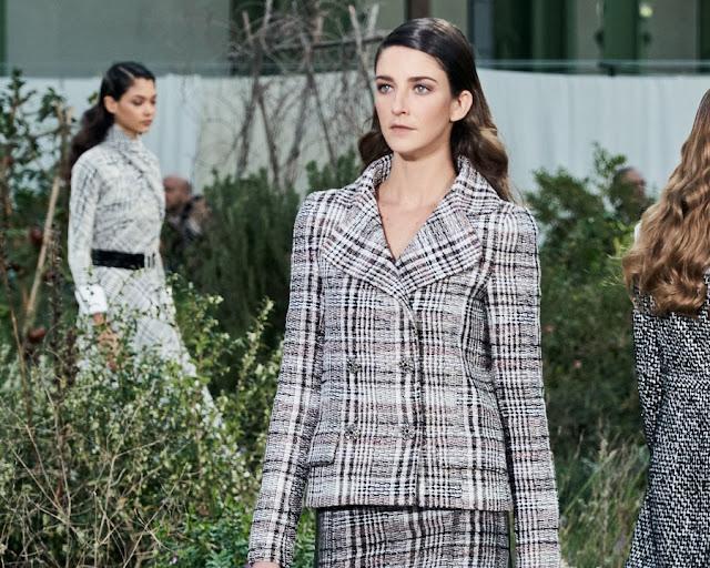 Chanel Couture весна лето 2020 1