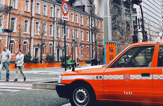 Tips Cara Pesan Dan Pilih Taksi Yang Aman