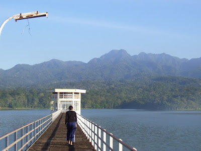 tour of Rowo Mountain Reservoir