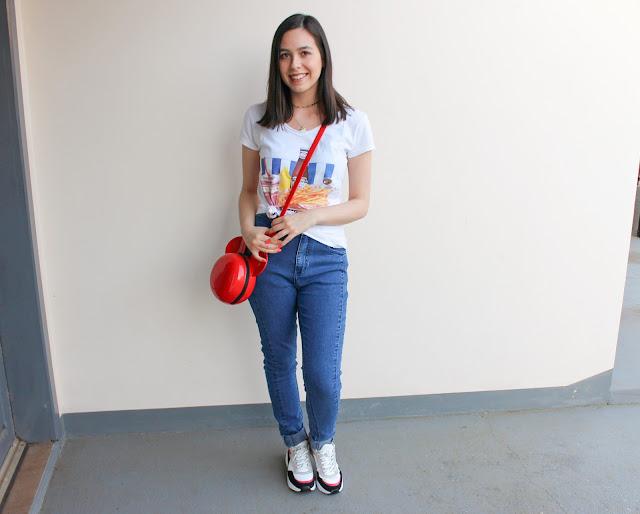 Look t-shirt divertida e dad sneaker, ball bag Disney Melissa