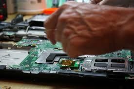 Jak naprawia się grafikę w laptopie BGA. Czy warto?