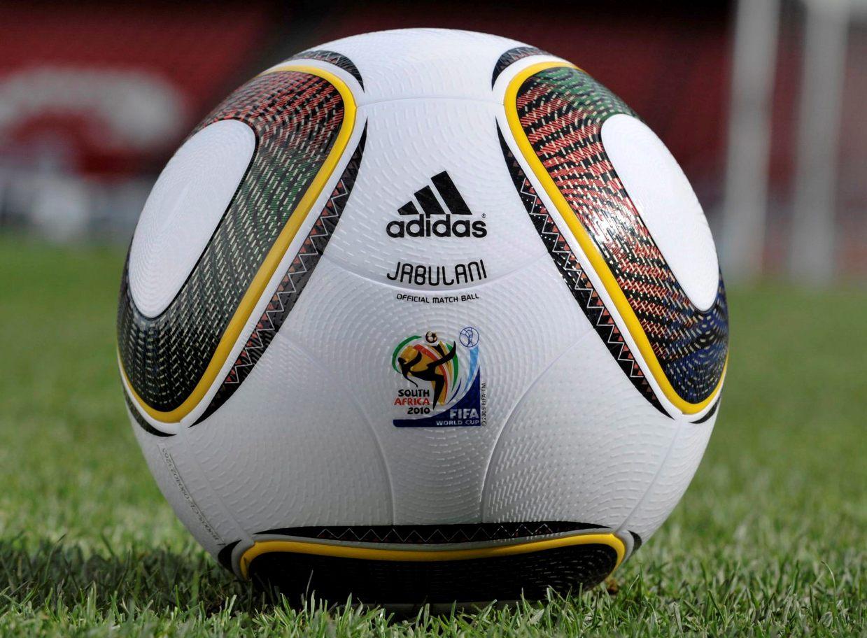 2d809636beee8 Balones de Epoca  Balón oficial del Mundial de Sudáfrica 2010. Balón ...