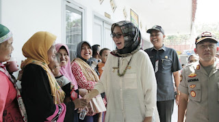 Bupati Lumajang Tinjau Pelaksanaan E-Voting Pilkades Serentak
